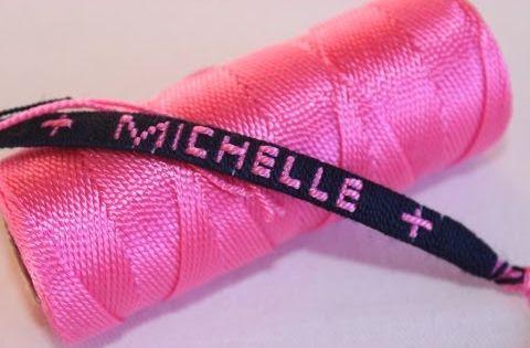 pulseras en hilo con el nombre michelle