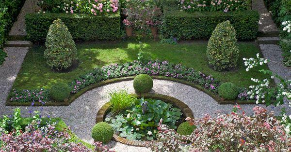 The green garden gate private gardens open their doors for Small private garden ideas