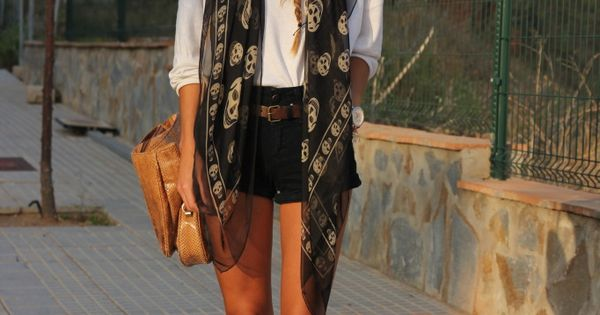casual chic summer style. love the pattern driving mocs + printed scarf