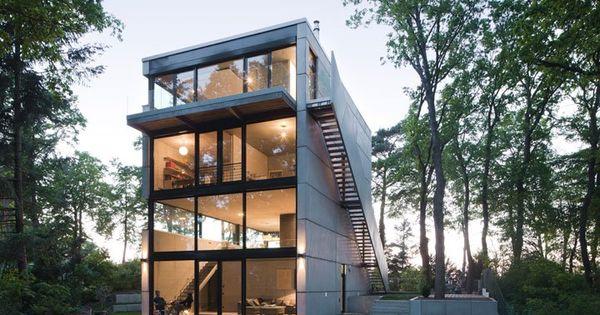 modern single family house designed by peter ruge. Black Bedroom Furniture Sets. Home Design Ideas