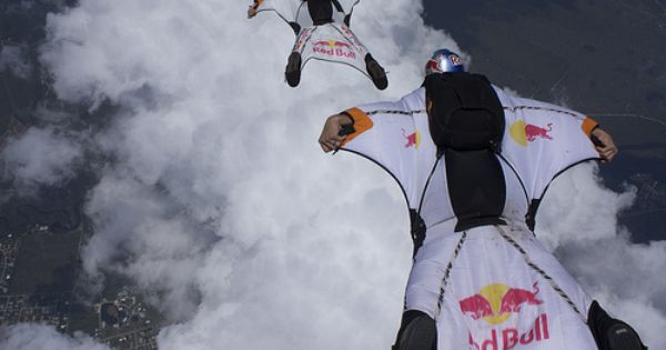 Oh Ya This Is Gonna Need To Happen At Some Point Wingsuit Flying Base Jumping Gonna