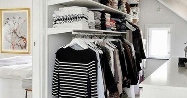 ankleidezimmer unter dachschr ge selber gestalten aussortierte kleidung verstauen homestyle. Black Bedroom Furniture Sets. Home Design Ideas