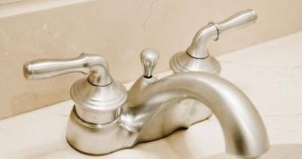 How To Catch Kill Fruit Flies Clean Sink Cleaning Faucets Bathroom Fixtures Brushed Nickel
