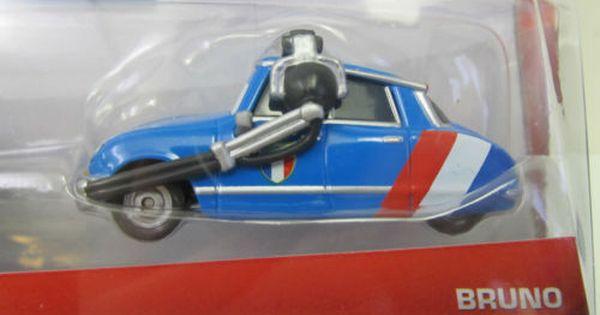 DISNEY CARS WORLD GRAND PRIX SERIES RAOUL CaROULE /& BRUNO MOTOREAU  2 PACK