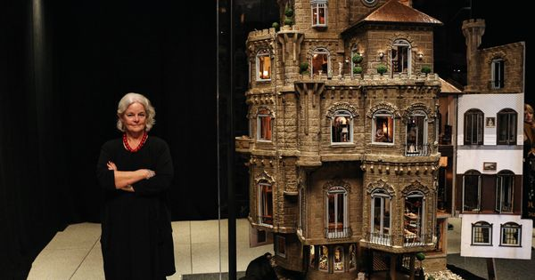 An 8 5 Million Dollar Dollhousebuilt Over 13 Years By Elaine Diehl In The 1980s The