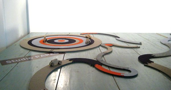 tapeto puzzle carpet-felt carpet kids can reconfigure into games, racetracks, etc. The