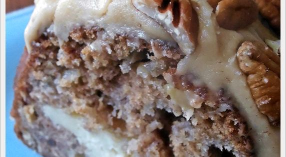 Love apple cake! Jam Hands: Apple and Cream Cheese Bundt Cake with