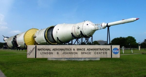 Entrance To Nasa S Johnson Space Center Prior To The Saturn Being Enclosed Johnson Space Center Houston History Texas Attractions