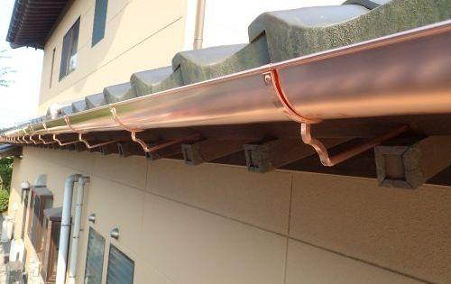 こんな感じです 雨どいメーカー タニタ スーパー銅雨とい サスク 色