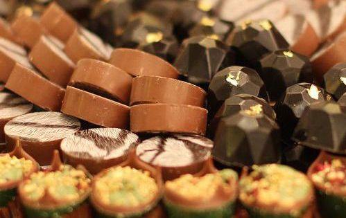 مونور شوكولا Meneur Chocolate شوكولاته كيك الزواج و المناسبات الرياض Live Lokai Bracelet Bracelets Lokai Bracelet