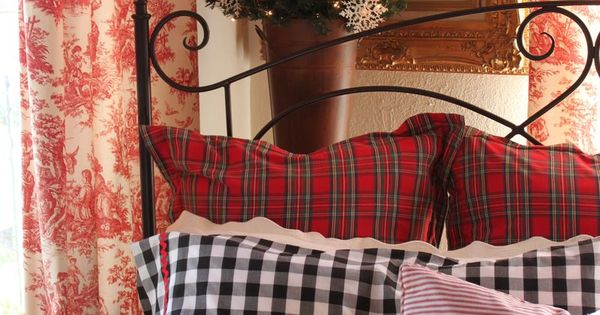 Christmas Cottage Bedroom | Red B Check. | Dreaming of a White ...