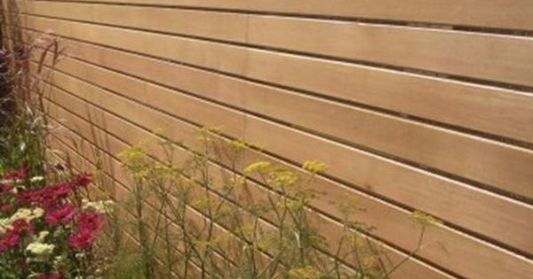 western red cedar slatted fence garden design pinterest c dre rouge cl ture et crans. Black Bedroom Furniture Sets. Home Design Ideas