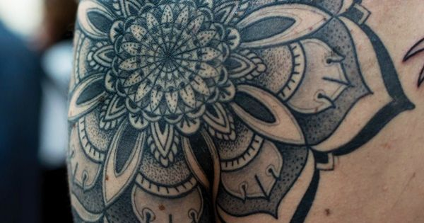 55 Awesome Shoulder Tattoos | Cuded Very intricate design, so cool