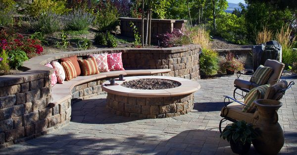 retaining wall bench for fire pit for the home pinterest outdoor living wall bench and. Black Bedroom Furniture Sets. Home Design Ideas