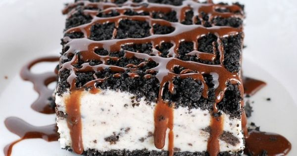 Oreo desserts, Ice cream cookies and Hot fudge sauce on Pinterest