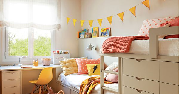 Habitaci n infantil con litera tipo tren y zona de estudio bajo la ventana dormitorios - Habitacion infantil tren ...