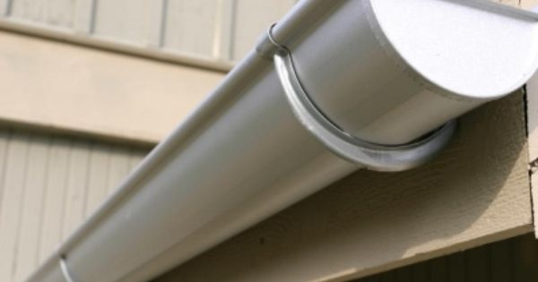 Do You Want To Know About Seamless Gutters Then Read This Article To Know More Http Goo Gl 7lxbia Gutters Galvanized Gutters Diy Gutters