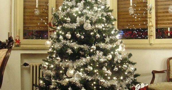 tannenbaum in silber geschm ckt weihnachten pinterest. Black Bedroom Furniture Sets. Home Design Ideas