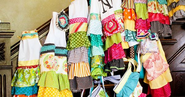 little girl aprons ... grandmas helper! how sweet!