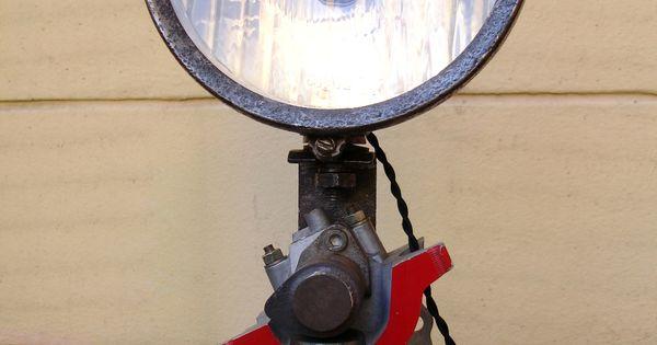 lampe phare sur clat de moteur phares pinterest. Black Bedroom Furniture Sets. Home Design Ideas