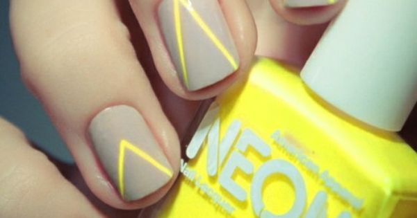 OMG. geometric nailpolish neonyellow
