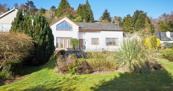 Welcome To Bisoi A Luxury Holiday Home For 8 Guests And 2 Pets In Braithwaite Village Luxury Cottage Lake District Cottages Cottage