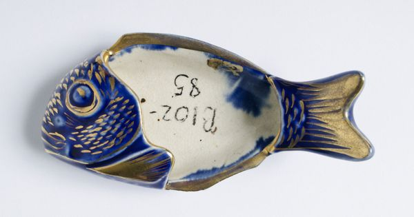 Ceramic Fish Bones : Dish for fish bones made by j e jeffords and company