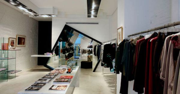 Boutique de mode et miroir xxl espaces commerciaux for Miroir xxl design