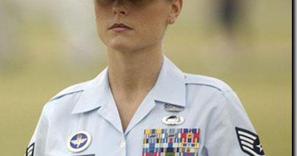 American Veteran Michelle Manhart Picks Up US Flag from Desecration at Georgia University - Gets