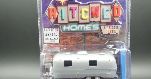 Greenlight 1971 Airstream Double Axle Land Yacht Trailer Hitched Homes Series 7 Greenlight Airstream In 2020 Trailer Hitch Vintage Trailers Airstream Land Yacht