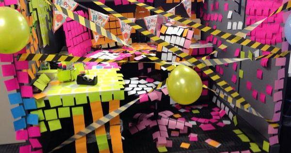 20 creative diy cubicle decorating ideas decoraciones for Diy decoracion cumpleanos