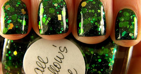 Emerald nails