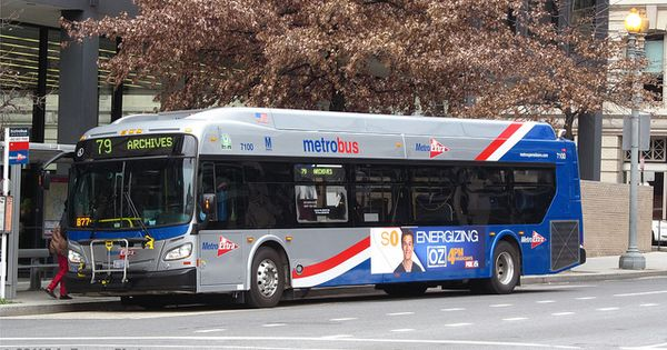 Wmata 2011 New Flyer Xde40 7100 On The Route 79 Via