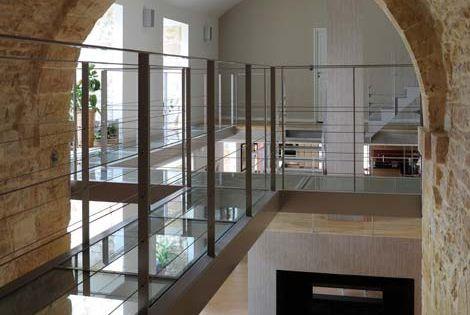 architecte lyon renovation chapelle pierre dor les escaliers m talliques ainsi que les. Black Bedroom Furniture Sets. Home Design Ideas