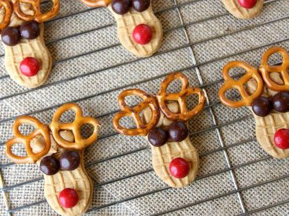 Peanut Butter Reindeer Cookies. These would be great for Christmas parties.