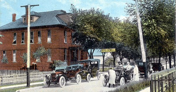 Hotel Cadwell Circa 1920 Crown Point Indiana By Shook Photos Via Flickr My Town Pinterest Hotels And Pools
