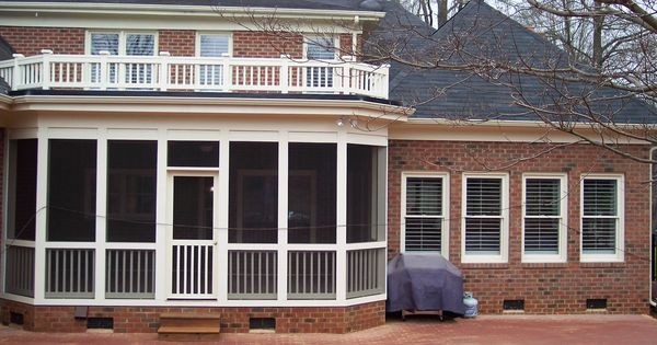 Decorative Flat Roof : Flat roof style screened in porch with decorative small