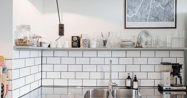 Le Joint Noir Ou Gris Pour Le Carrelage Joli Place Plan De Travail Cuisine Cuisines Maison Interieur De Cuisine