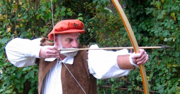 the life and times of archery The ultimate archery trick you don't have time to aim or think, but can only do it if your reactions are completely instinctive first of all.