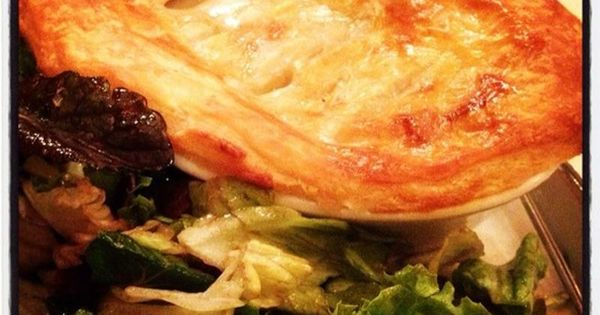 Unbelievable Chicken Pot Pie with mashed potatoes & vegetables ...