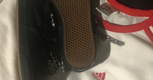 2179f1fbb7a2af Vans low cut Blk. Blk heel Sz 1.5 in great shape