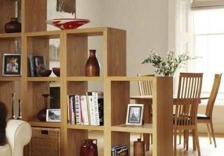Hecho en madera s lida este separador de espacio decora for Antecomedores modernos pequenos