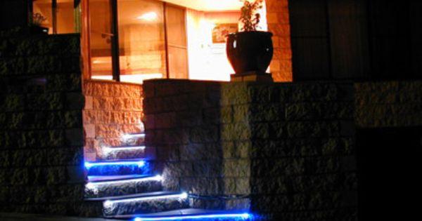 una terrazza illuminata con barre led a luce calda | barre led ... - Cabina Armadio Luce Calda O Fredda