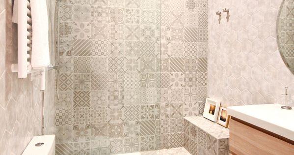 Alicatado con formas geometricas ba os banheiros - Alicatado banos modernos ...