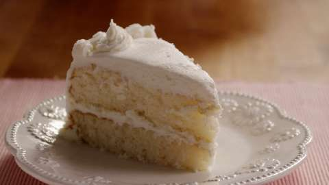 white wedding cake frosting allrecipes heavenly white cake allrecipes recipes 27350