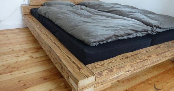 bett aus handgehackten altholz balken diy pinterest. Black Bedroom Furniture Sets. Home Design Ideas