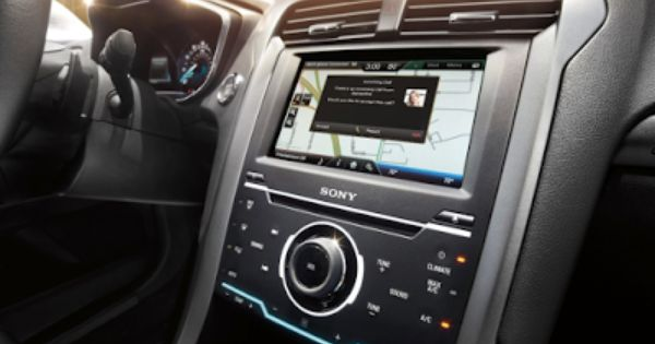 Ford Sync Update Offers Apple Siri Eyes Free Ford Sync Hit And Run Infotainment System