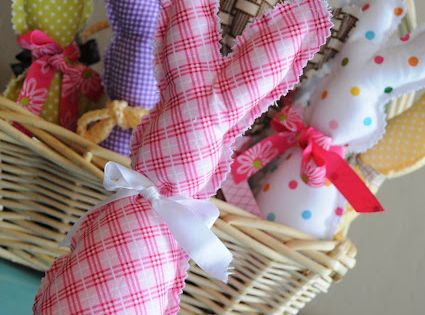 Lovely sewing idea. Easter bunnies from The Little Fabric Blog with instructions