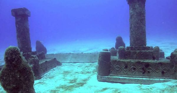 10 Most Mysterious Ancient Sites Discovered Around The World With Images Underwater City Sunken City Underwater