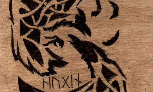 Would love to own this piece!!! Nordic Knot Work Ravens Hugin Munin